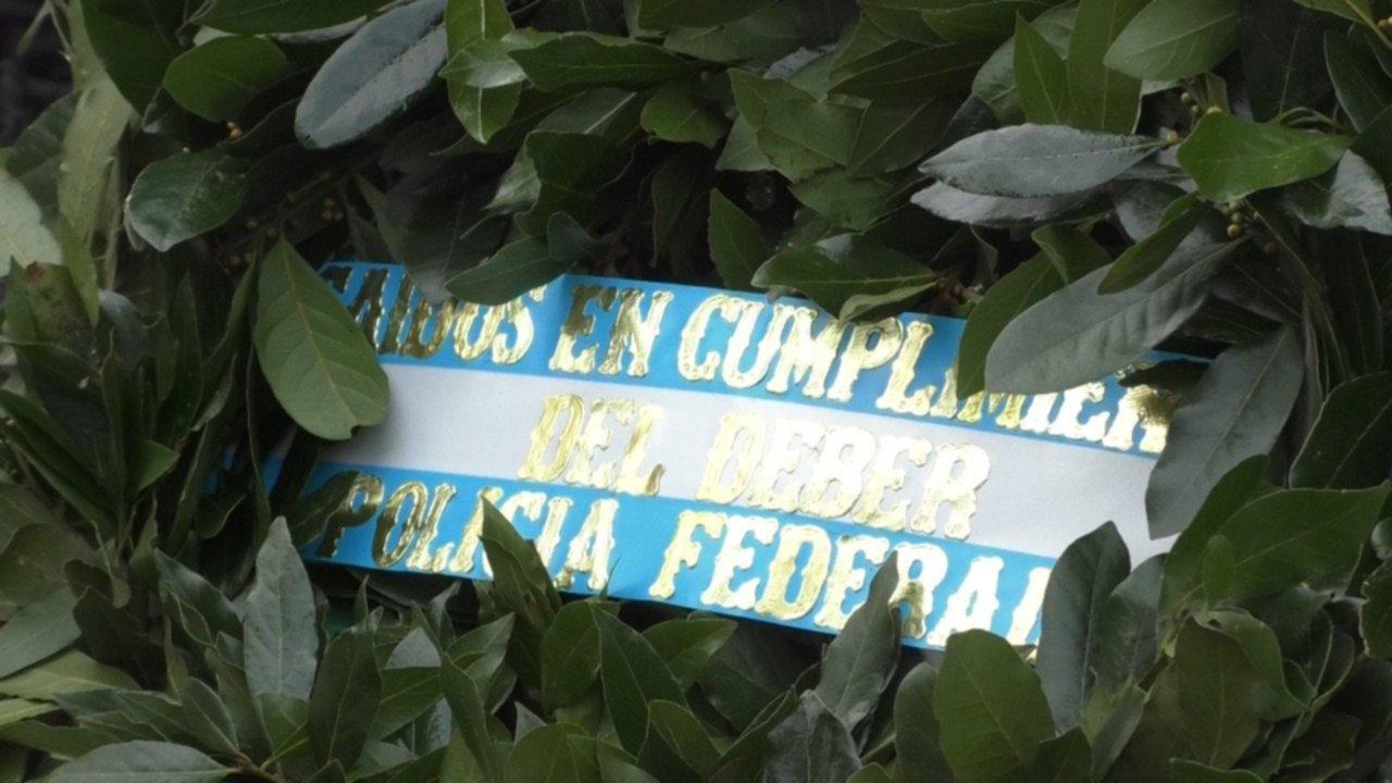 Video Acto En Homenaje A Los Policias Federales Caidos