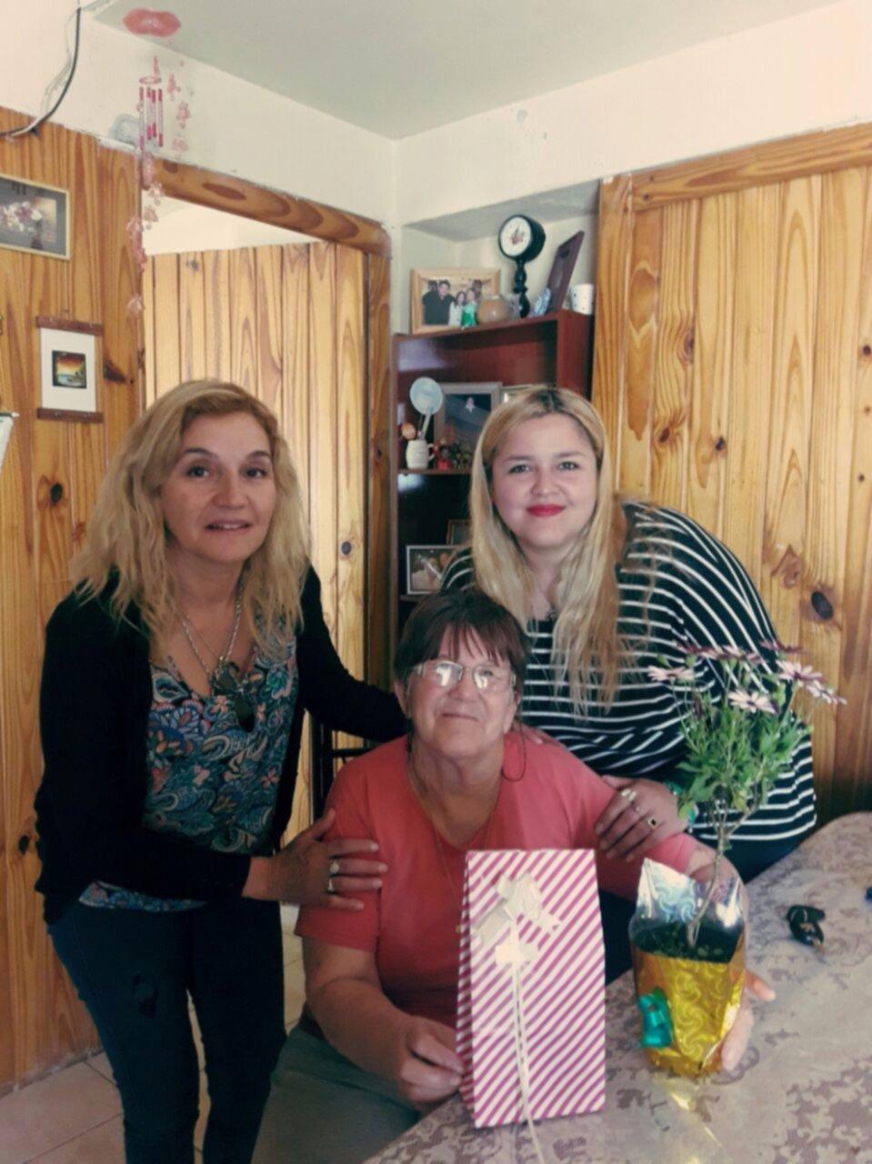 El Ministerio de Familia agasajó a las madres de distintas localidades